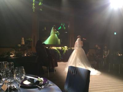 派手な結婚式